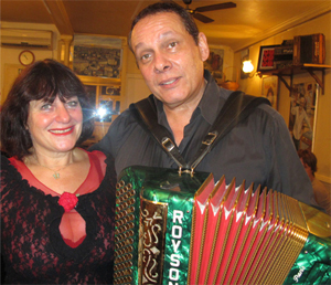 Michel Refutin (accordion)
